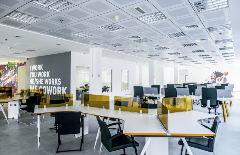 Low cost coworking space in Dubai. From 400 AED/month only.